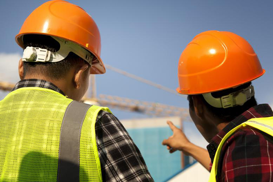 safety on construction sites The regulations specify requirements regarding the use of safety helmets on construction sites it is the responsibility of the employer or self employed person to carry out a risk assessment and to supply a recommended helmet the employee has an obligation to wear and correctly use a helmet, as.